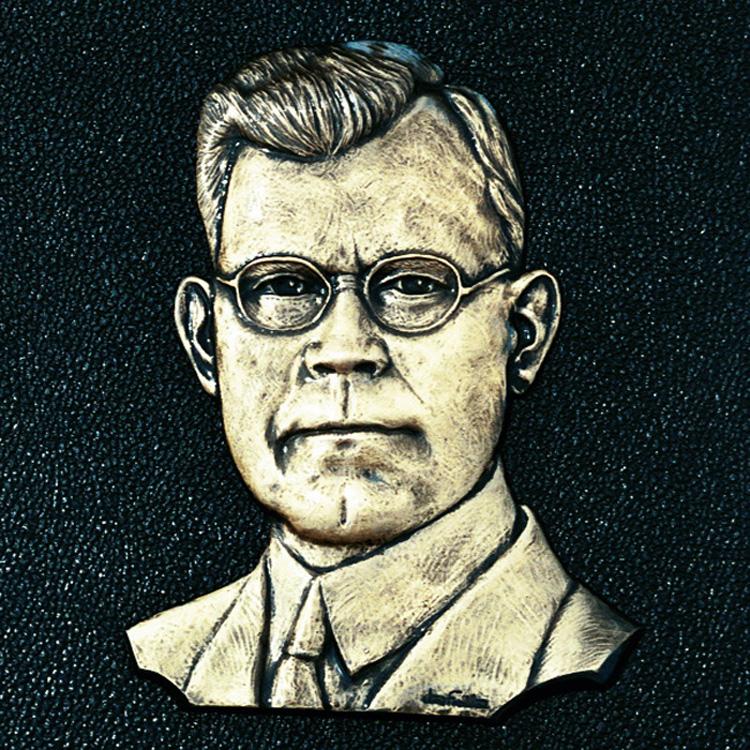 Robert Hefner, Sr. (1874-1971)