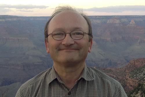 Photo of Hans-Dieter Sues, Ph.D.